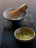 La ciotola con bambù sbatte Immagini Stock