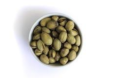 La ciotola ha riempito di pistacchio delizioso del ` s di Bronte Fotografie Stock