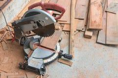 La circolare ha visto per legno Fotografie Stock Libere da Diritti