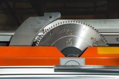 La circulaire dentée circulaire de précision des éléments de pales A a vu la découpeuse Image libre de droits