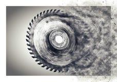 La circulaire scie la lame - avec la tache floue de mouvement Photo libre de droits