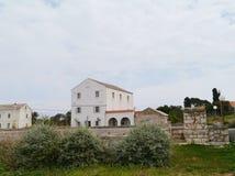 La cisterna nel centro del villaggio croato Olib Immagini Stock Libere da Diritti