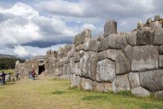 La citadelle Sacsayhuaman d'Inca aux périphéries de Cusco images libres de droits