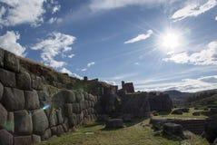 La citadelle Sacsayhuaman d'Inca aux périphéries de Cusco image stock