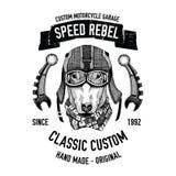 La citation de cycliste avec le chien pour le garage, service, T-shirt, pièces de rechange dirigent l'image Photographie stock libre de droits