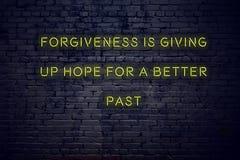 La citation de inspiration positive sur l'enseigne au néon contre la rémission de mur de briques abandonne l'espoir pendant un me illustration de vecteur