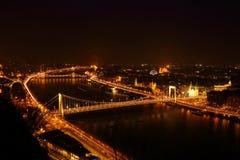 La città alla notte a Budapest Fotografia Stock