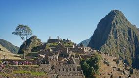 La città antica di Machu Picchu rimane al sole stock footage