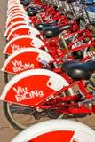 La città bikes per affitto a Barcellona, Spagna Fotografia Stock Libera da Diritti