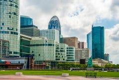 La città del vetro dei grattacieli del disctrict di affari di Parigi si appanna la SK fotografia stock libera da diritti