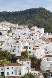 La città di ojen vicino al primo mattino di Marbella Spagna Immagine Stock