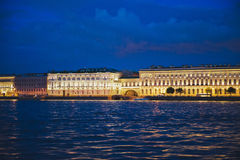 La città di St Petersburg, viste di notte dal motore spedisce 1184 Fotografie Stock Libere da Diritti