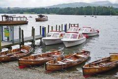 La ciudad de Ambleside en el lago Windermere Imagenes de archivo