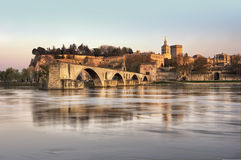 La ciudad de Avignon en la puesta del sol Imágenes de archivo libres de regalías