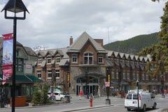 La ciudad de banff en el verano Fotos de archivo libres de regalías
