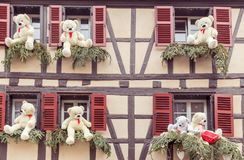 La ciudad de Colmar se adorna para la Navidad Foto de archivo libre de regalías