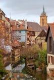 La ciudad de Colmar se adorna para la Navidad Imagen de archivo