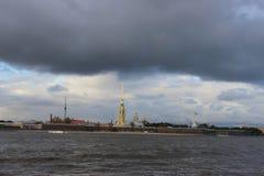 La ciudad de la fortaleza de St Petersburg, de Peter y de Paul Foto de archivo libre de regalías