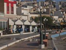 La ciudad de las opiniones de Sitia Quay imagen de archivo libre de regalías