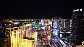 La ciudad de Las Vegas se enciende por la noche - ciudad de Las Vegas Nevada/USA metrajes