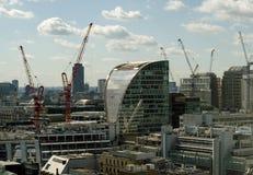 La ciudad de Londres con amarra la casa Imagen de archivo
