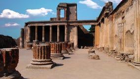 La ciudad de Pompeya, destruida en 79 A.C. la erupción del monte Vesubio metrajes
