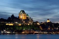 La ciudad de Quebec vieja en la oscuridad Fotos de archivo libres de regalías