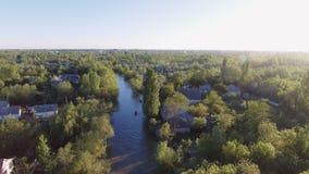 La ciudad de Vilkovo, región de Odessa, Ucrania, visión aérea en el tiempo de verano almacen de video