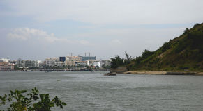 La ciudad del lado de mar Fotos de archivo libres de regalías