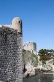 La ciudad emparedada de Dubrovnic en Croacia Europa Dubrovnik se apoda perla del ` del Adriático Foto de archivo