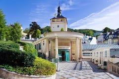 La ciudad Karlovy del balneario varía, República Checa, Europa imagen de archivo