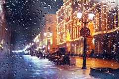La ciudad peatonal de la noche de la calle del ‹del †del ‹del †de la ciudad se enciende Fotografía de archivo libre de regalías