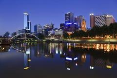 La ciudad Reiver 01 de Melbourne refleja Fotos de archivo