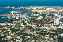 La ciudad tropical Townsville, Queensland, la antena del norte de Australia compite imagenes de archivo