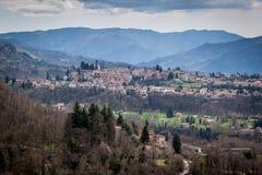 La ciudad vieja de Barga en Italia Fotos de archivo
