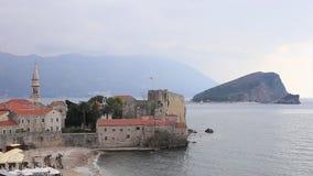 La ciudad vieja de Budva en Montenegro almacen de metraje de vídeo