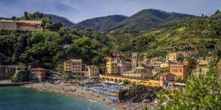 La ciudad vieja de Monterosso por la tarde Fotos de archivo