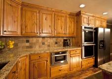 La cocina casera moderna remodela Fotografía de archivo libre de regalías