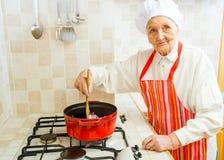 La cocina de la abuelita Fotos de archivo