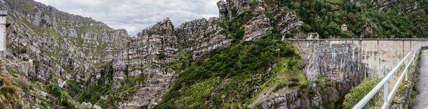 La Cohilla-Verdammung, Kantabrien, Spanien Lizenzfreie Stockbilder