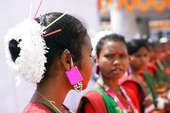 La coiffure traditionnelle de l'artiste folklorique Image stock