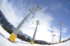La cola para la elevación en los días de fiesta del Año Nuevo vacaciones en la estación de esquí Bansko bulgaria Fotografía de archivo