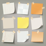 La colección de diversos papeles de nota, alista para su mensaje stock de ilustración