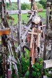 La colina de cruces, Lithuanian Europa Oriental - detalle Fotos de archivo