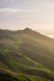 La colina de la montaña en la luz del sol Imagen de archivo