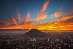 La colina vieja en el fuego Imagenes de archivo