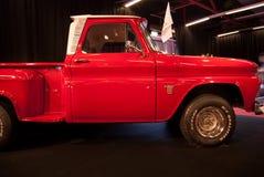 La collecte 1964 de Chevrolet C10 de cru a présenté sur le Salon de l'Automobile de Tel Aviv photo libre de droits