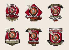 La collection d'emblèmes colorés, logos, autocollants, main tenant une épée, guerriers matraquent Illustration de vecteur, imprim illustration stock