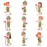 La collection d'enfants surveille équipement de camping, activités de colonie de vacances illustration libre de droits