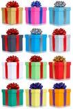La collection de beaucoup de cadeaux présente à cadeau d'anniversaire de Noël p actuel photographie stock libre de droits